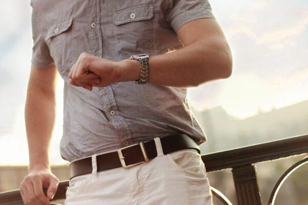 Ge bort en stilig klocka i present till din man