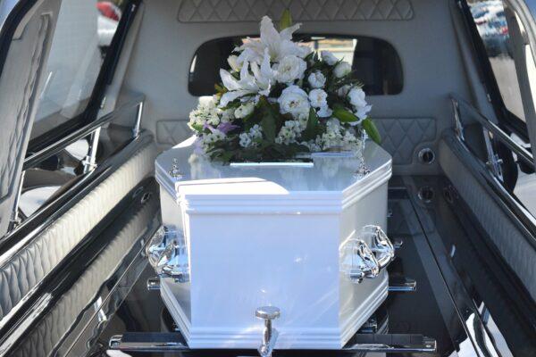 När du behöver anlita hjälp med begravningen